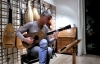Звучит единственная сохранившаяся гитара Страдивари
